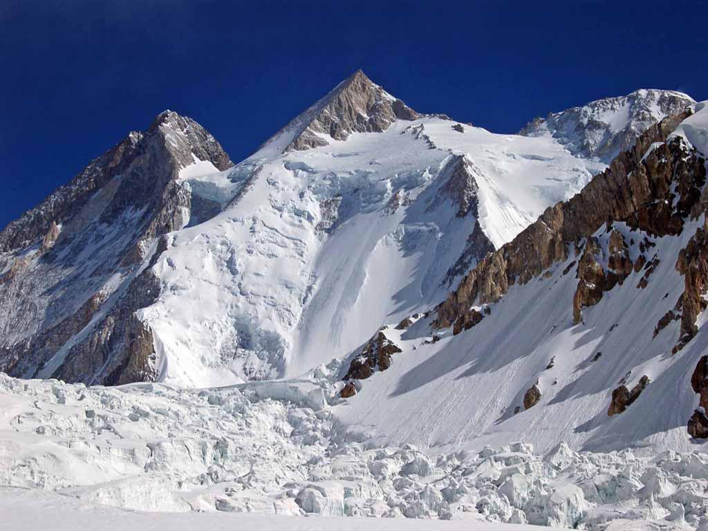 GIII and GII from gletcher5800m foto JVestakl - Mountains Of Pakistan